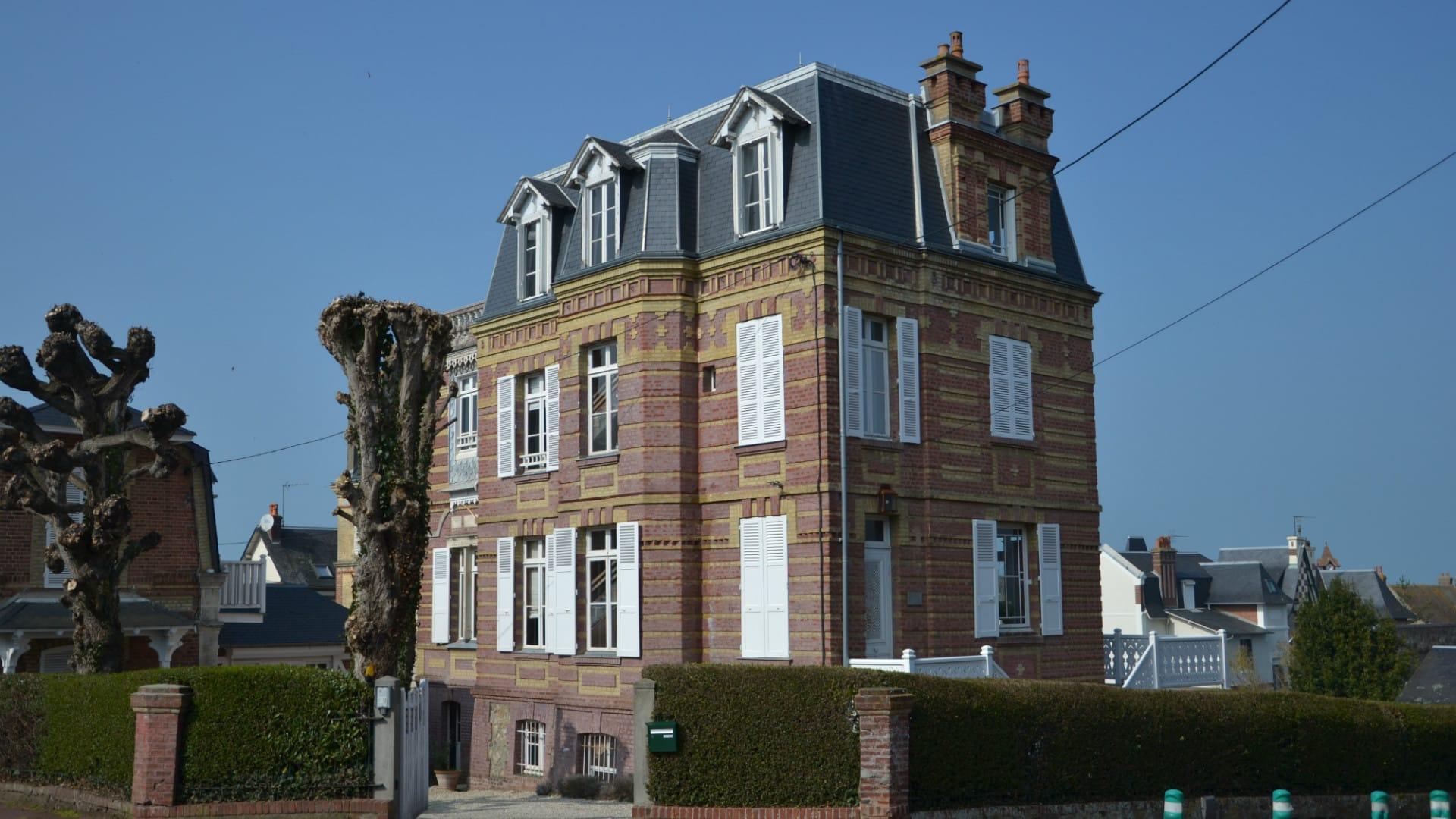 Guesthouse La Mascotte vue de la rue